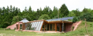 Chantier participatif : L'earthship